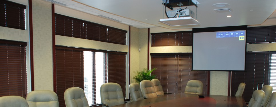 Vetter Health Systems Boardroom Projector/Screen Operating Position